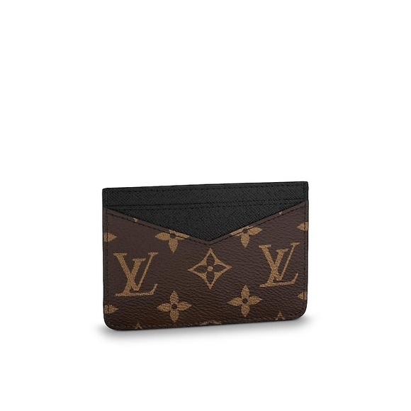 80cb4035d894 Louis Vuitton Handbags - Authentic Men s Louis Vuitton Monogram Card Holder